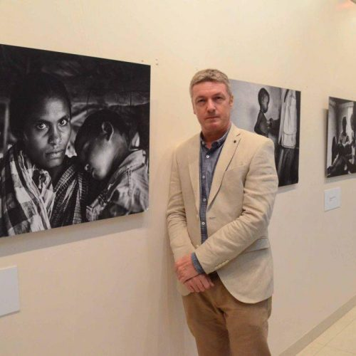 Photo-4_Peter-Paul-de-Groote-General-Director-MSF-India-at-the-Without-Borders-Exhibition-in-Chandigarh.jpg